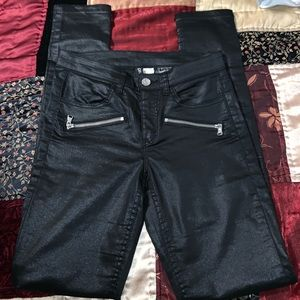 H&M' DIVIDED black shinny skinny jeans